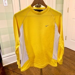 Vintage Nike Long-Sleeve Soccer Shirt 💛